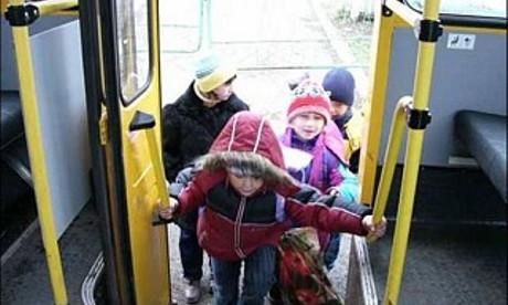 С июля в Пинске отменены справки школьников